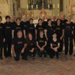 """Il coro Liberi Cantores presente alla 4^ manifestazione """"Arie di montagna""""."""