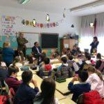 """Il Sindaco Terra intervistato dagli alunni della scuola """"Elsa Morante""""."""