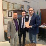 Il campione mondiale di karate Emanuele Casilli ricevuto dal Sindaco.
