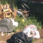 Sorpresi a gettare rifiuti in via Inghilterra e via Parigi: due persone multate.