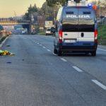 Pontina, incidente mortale tra Aprilia e Pomezia: la vittima è un 41enne.